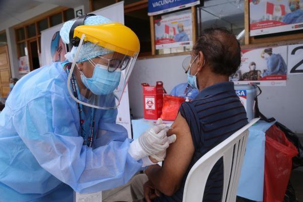 Quienes hayan tenido covid deben esperar tres meses para vacunarse