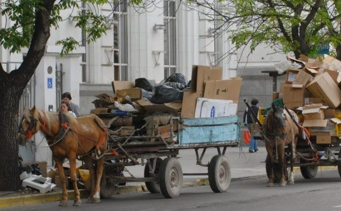 Más de mil carros son tirados a caballo en la ciudad de Santa Fe
