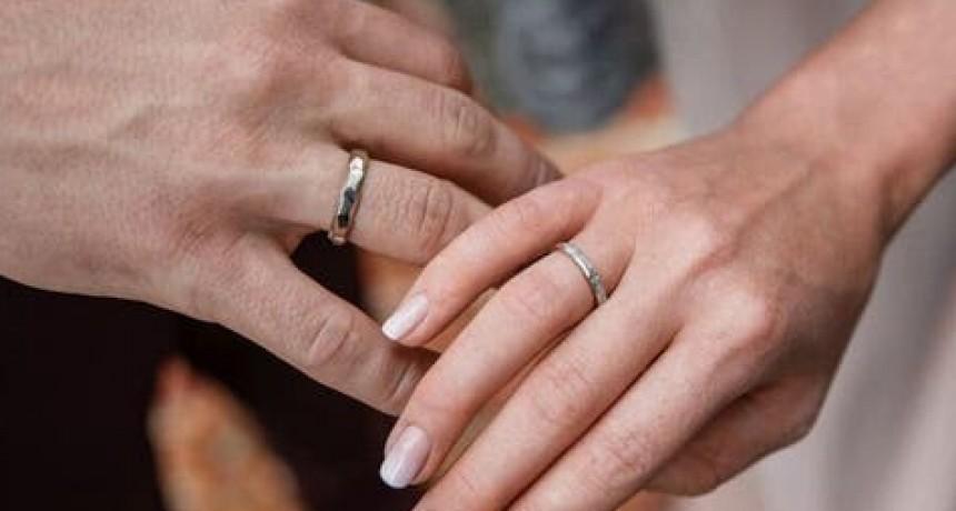 Un joven taiwanés se casó 4 veces para tener un mes de licencia en el trabajo