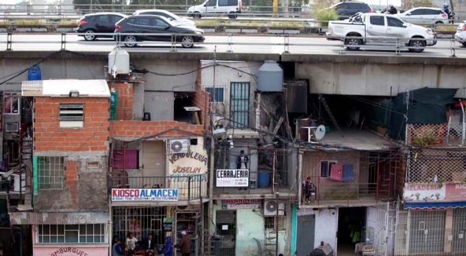 Más de tres millones y medio de personas en Argentina viven en villas
