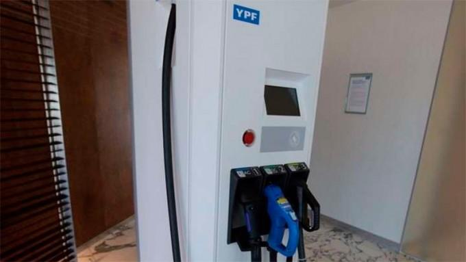 YPF instalará más de 200 cargadores para autos eléctricos en sus estaciones
