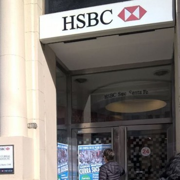 Bancarios santafesinos protestan frente al HSBC