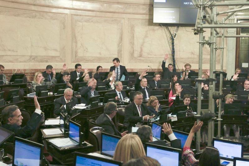 Dictamen favorable para tratar el proyecto contra el tarifazo en el Senado