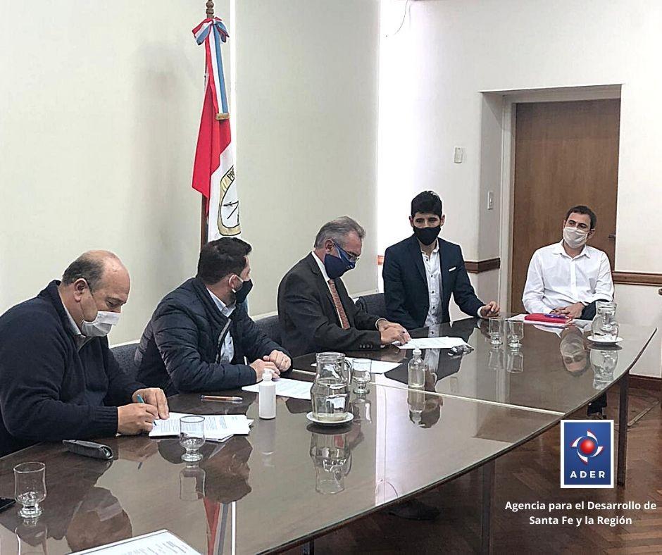 Se firmó un convenio para apoyar económicamente a las Pymes santafesina