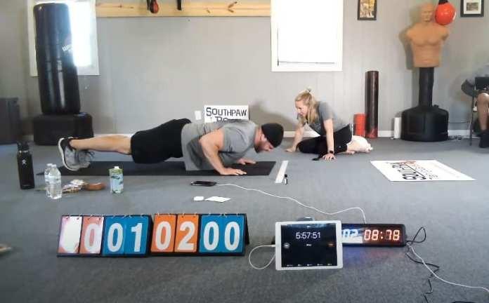 Un ex marinero realizó 3.050 flexiones de brazos en una hora