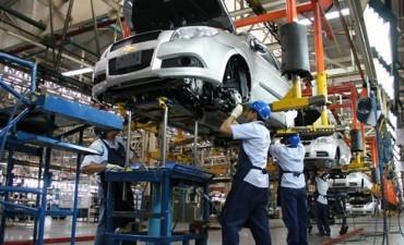 La producción automotriz subió casi catorce por ciento en mayo