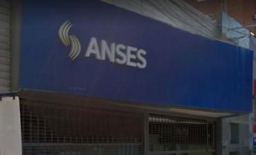 Trabajadores de Ansés realizan un paro tras el suicidio de un jubilado en las oficinas del organismo de Mar del Plata