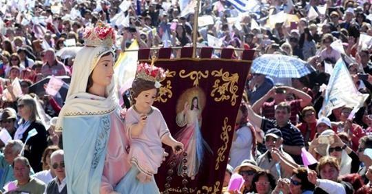 Leve caída en el porcentaje de católicos en el mundo