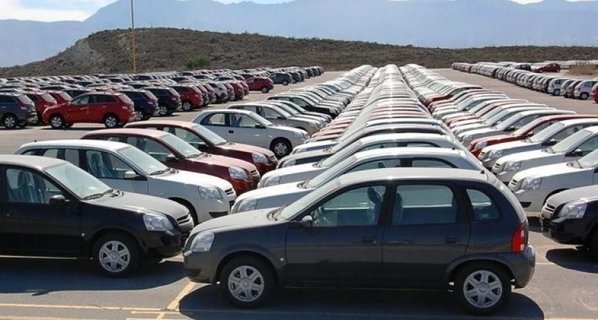 El patentamiento de automóviles subió más de seis y medio por ciento interanual en mayo