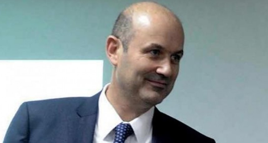 Un diputado denunciará a Sturzenegger por la corrida bancaria de mayo