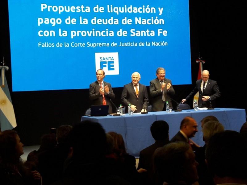 El gobernador se reunió con legisladores e intendentes por la deuda de coparticipación