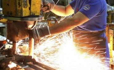 La industria creció más de seis y medio por ciento en junio
