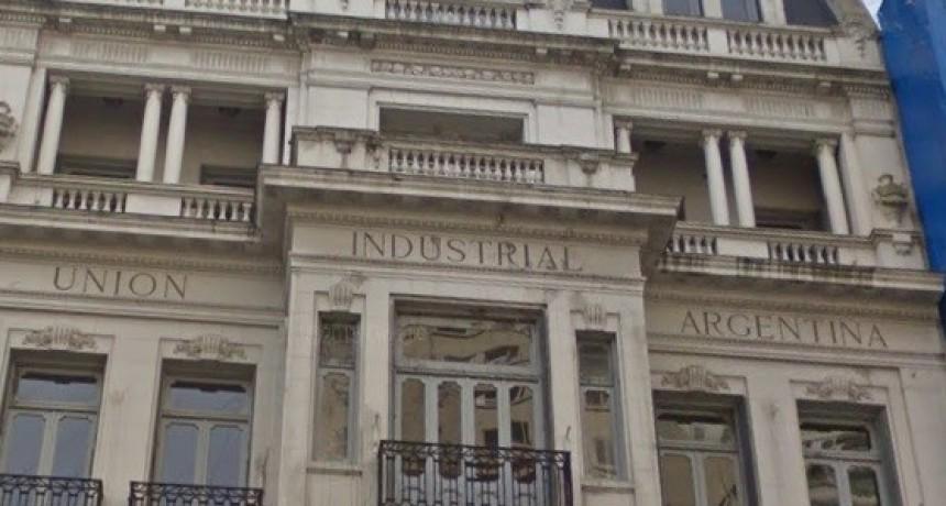 La Unión Industrial reconoció que la pauta salarial de 15 % estaba desactualizada