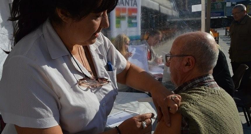 Más de 315 mil personas recibieron vacunas antigripales en Santa Fe