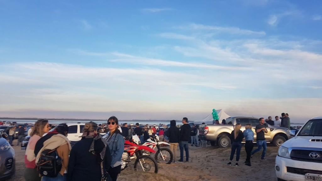 El Chaquito denuncia fiestas en la playa y la falta de agua potable