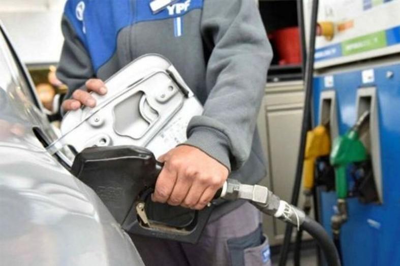 El precio del combustible subió un 37% en Santa Fe durante el primer semestre