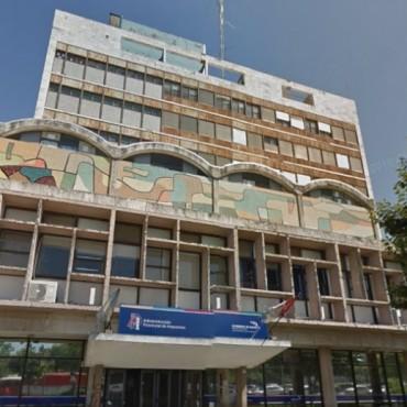 Nación se haría cargo de la restauración del edificio del Correo Argentino