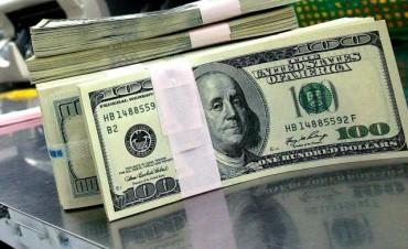 Los depósitos en dólares crecieron casi doce por ciento en julio