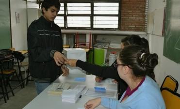 Las escuelas dispuestas para el desarrollo de las elecciones no abrirán el lunes por la mañana
