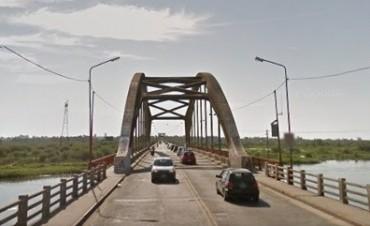 Una motociclista falleció tras derrapar en Puente Carretero