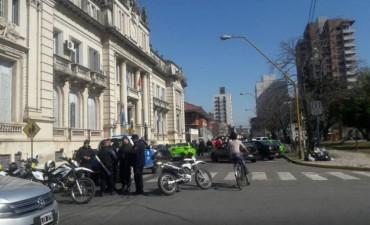 Taxistas y remiseros protestan frente al ministerio de Seguridad