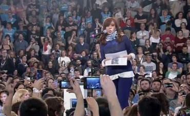 Cristina Fernández cargó contra el Gobierno durante el relanzamiento de su campaña
