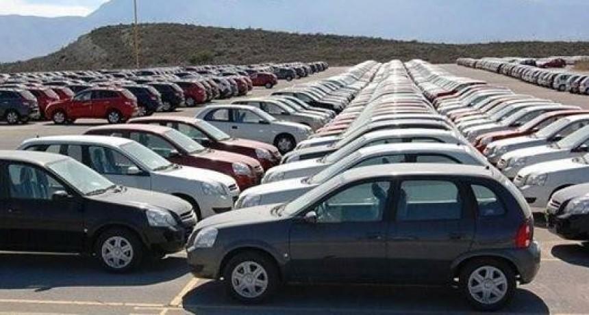 El patentamiento de vehículos retrocedió más de diecisiete por ciento en julio