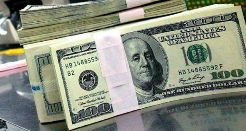 Depósitos en divisa norteamericana crecieron mil millones de dólares en agosto