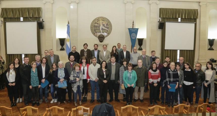 Ediciones UNL publicará más de 30 títulos de docentes investigadores