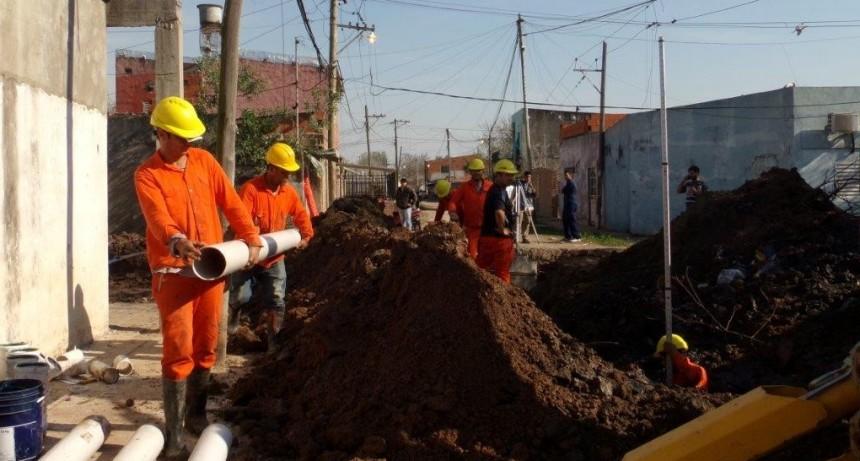 Dos barrios del sur de la ciudad ampliaron su red cloacal