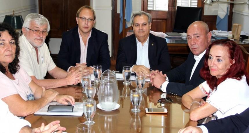 El gobierno convoca a los gremios a una nueva reunión paritaria