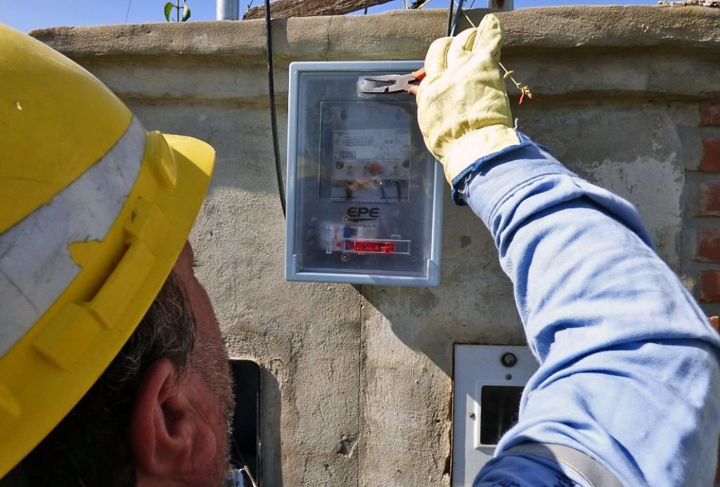 Las conexiones irregularidades de energía en domicilios pueden derivar en denuncias penales