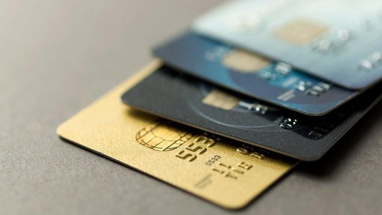 Tarjetas de crédito: los saldos que vencen en septiembre se podrán pagar a partir de enero
