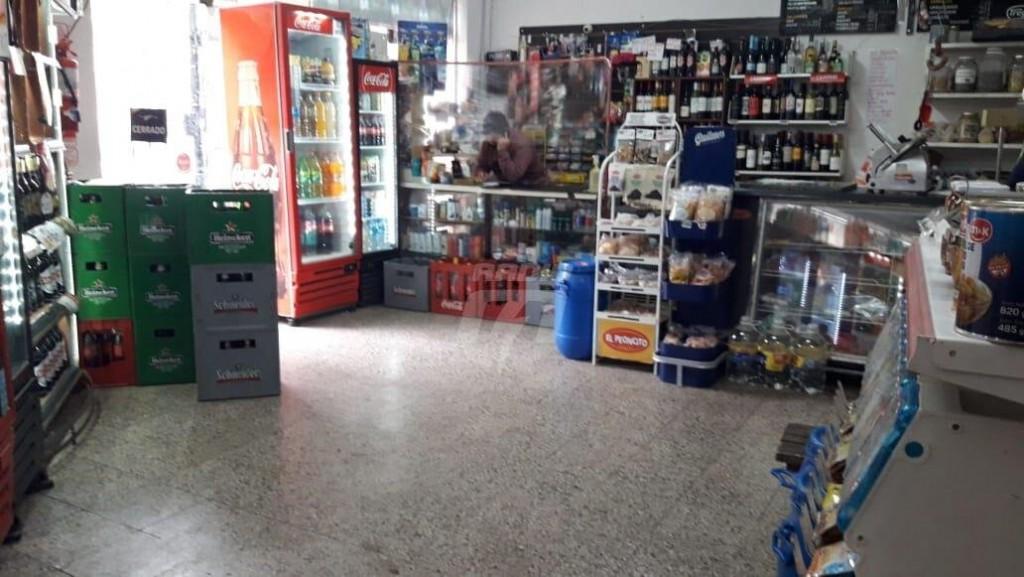 Kiosqueros y almaceneros piden extender el horario de atención