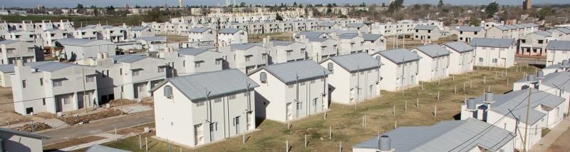 La provincia entrega 14 viviendas en el barrio Esmeralda