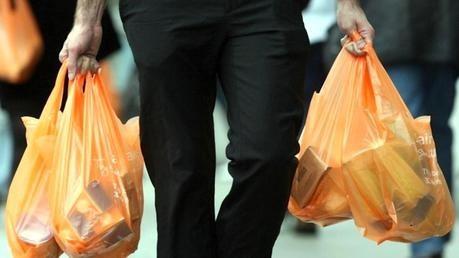 Los comercios paranaenses también deberán dejar de entregar bolsas plásticas