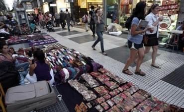 La venta ilegal callejera bajó doce por ciento interanual en el segundo trimestre de 2017