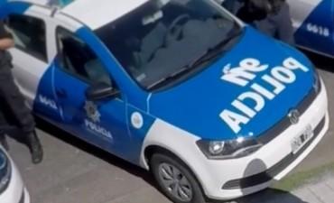 Un joven debía pagar 2000 pesos tras dañar un móvil policial de un piedrazo