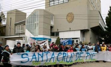 Gremios de estatales paran el jueves en Santa Cruz