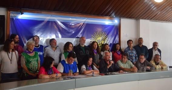 ATE y CTA Autónoma acamparán por cinco días frente al Congreso