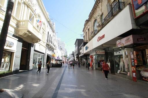 Comerciantes advierten que las medidas de restricción no deben superar los 14 días