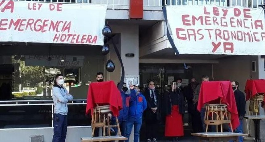 Diputados solicitan que se eximan de impuestos a Hoteleros y Gastronómicos