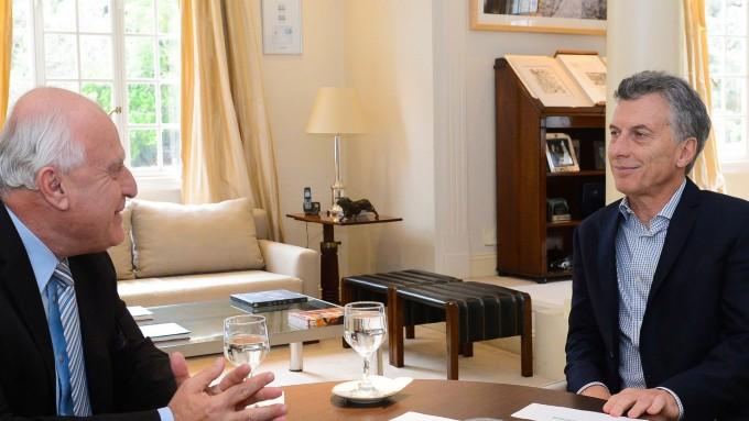 Mauricio Macri se comprometió ante Miguel Lifschitz a sostener el número de gendarmes en la provincia