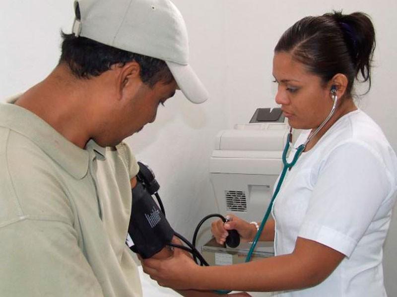 Santa Fe presenta 50 enfermeros cada 10 mil habitantes