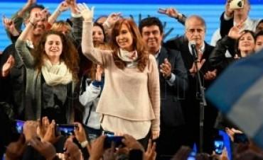 Cristina Fernández acusó a Macri de persecución política