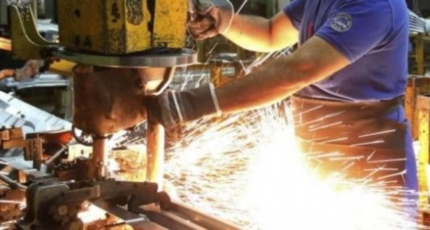 Industriales santafesinos piden medidas para revertir la caída de la actividad