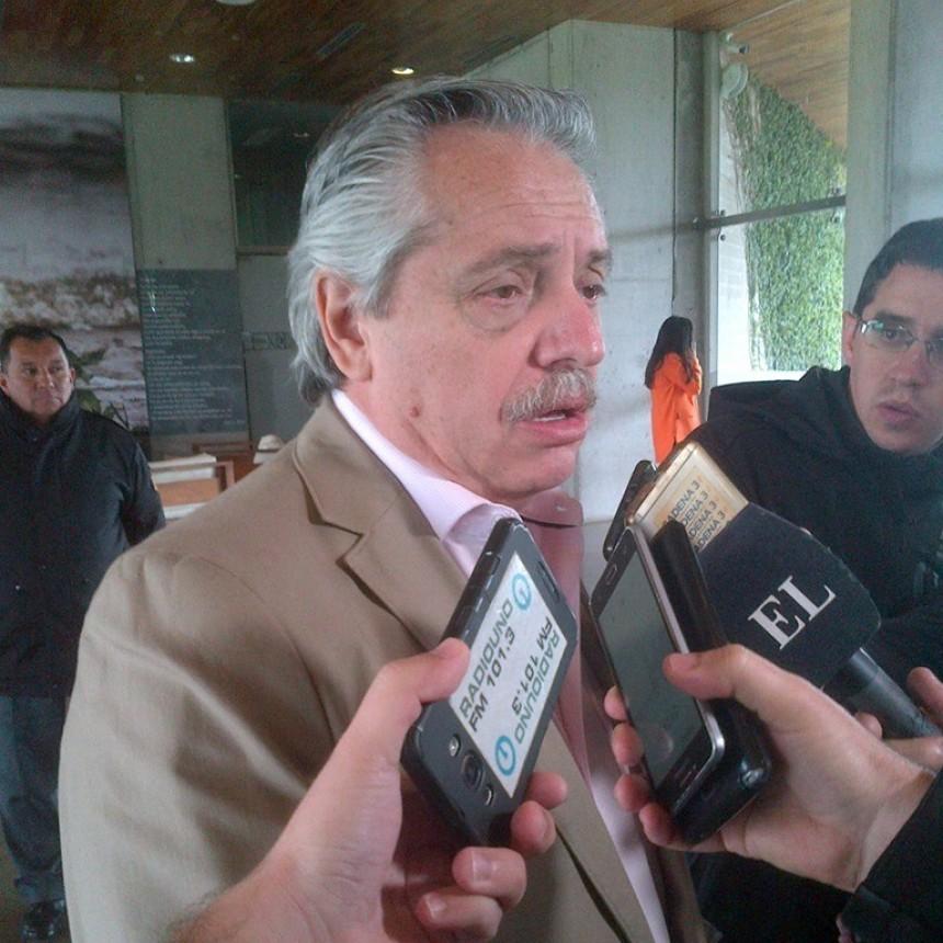 Fernández criticó a Macri por hacer campaña sacando medidas que le hacen daño a la Argentina