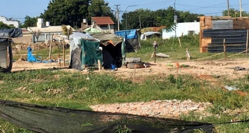 Analizan cada caso en particular de quienes fueron desalojados de los terrenos de Barrio Transporte