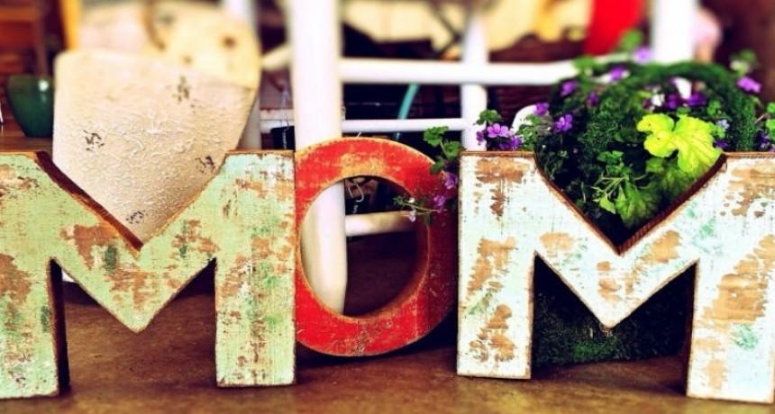 ¿Cuándo se festeja el día de la madre en Inglaterra?