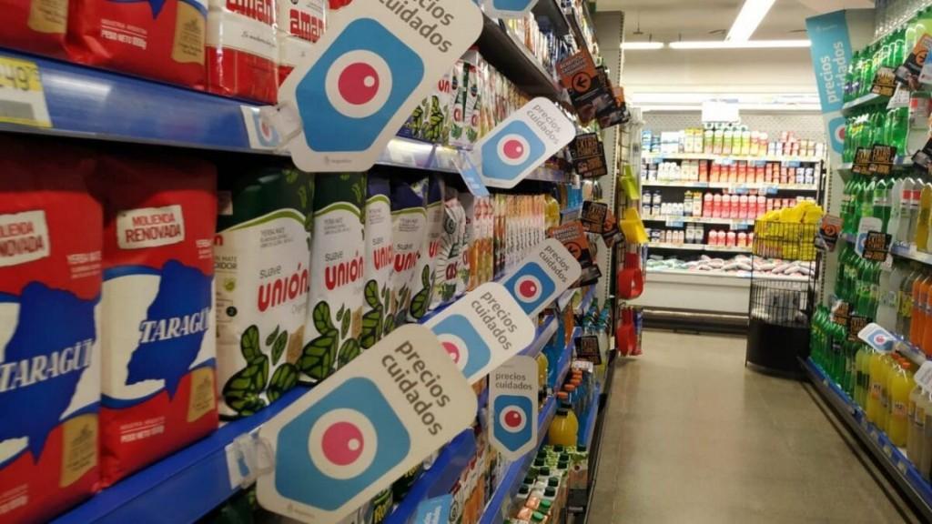 El gobierno dispuso el congelamiento de precios de más de 1400 productos